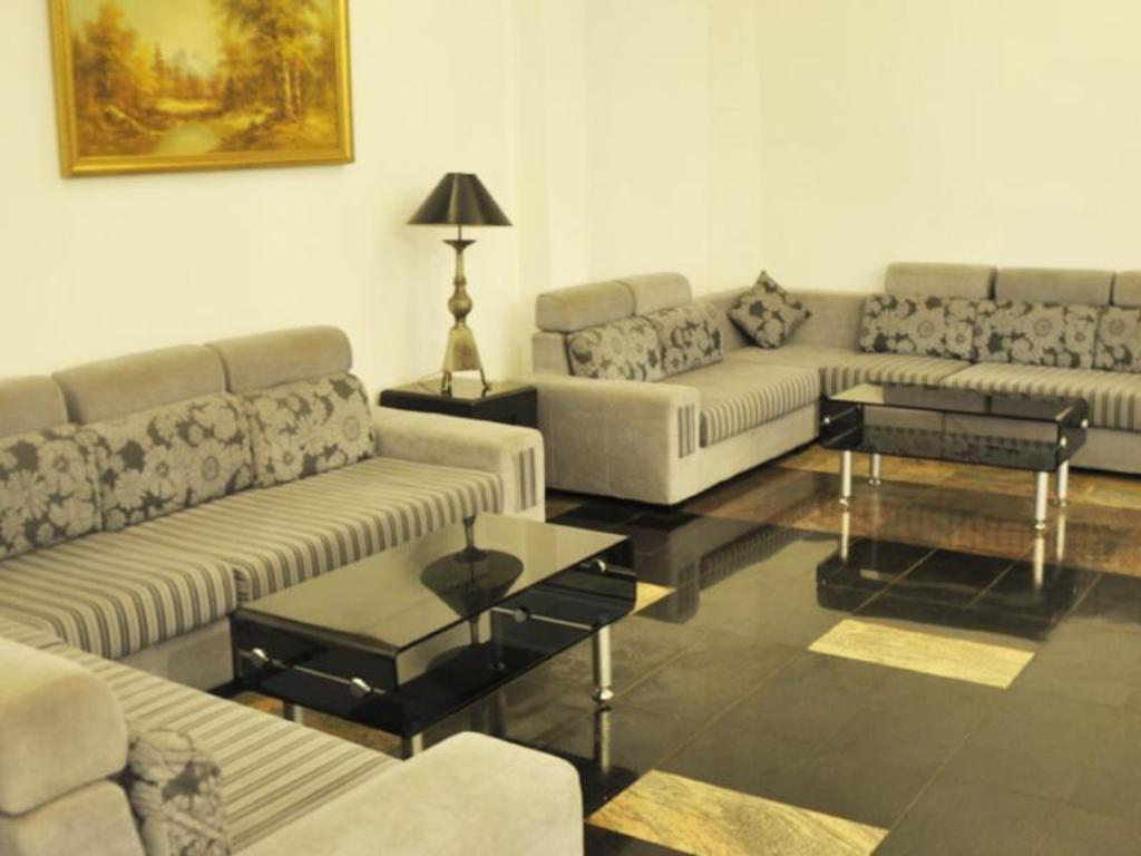Peradeniya Rest House Room Price