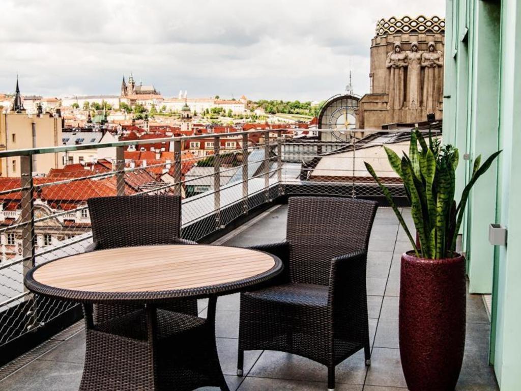 瓦茨拉夫广场露台酒店 (wenceslas square terraces)=>鼠标右键点击图片另存为