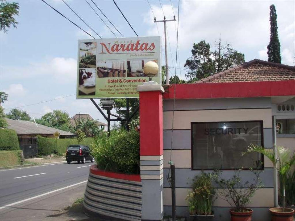 More About Naratas Hotel
