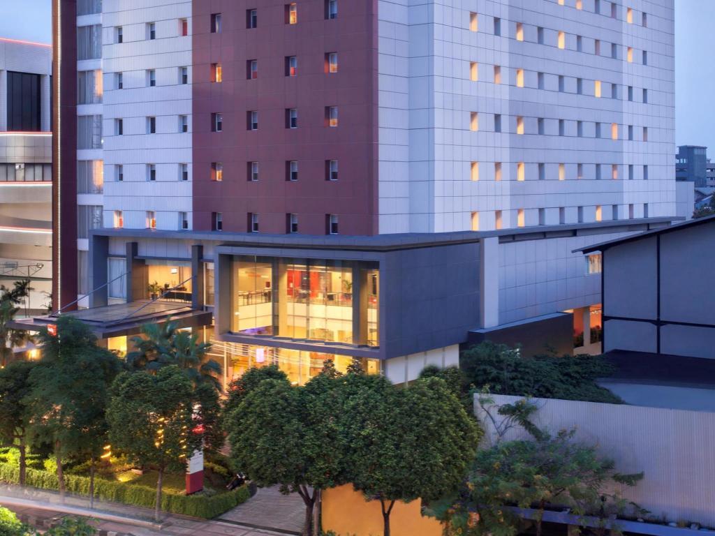 Informasi Lengkap Ibis Surabaya City Center Hotel