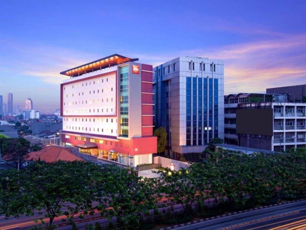 Informasi Lengkap Ibis Jakarta Senen Hotel
