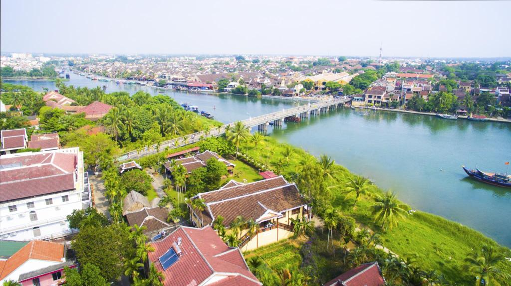 Best Price on Pho Hoi Riverside Resort in Hoi An + Reviews