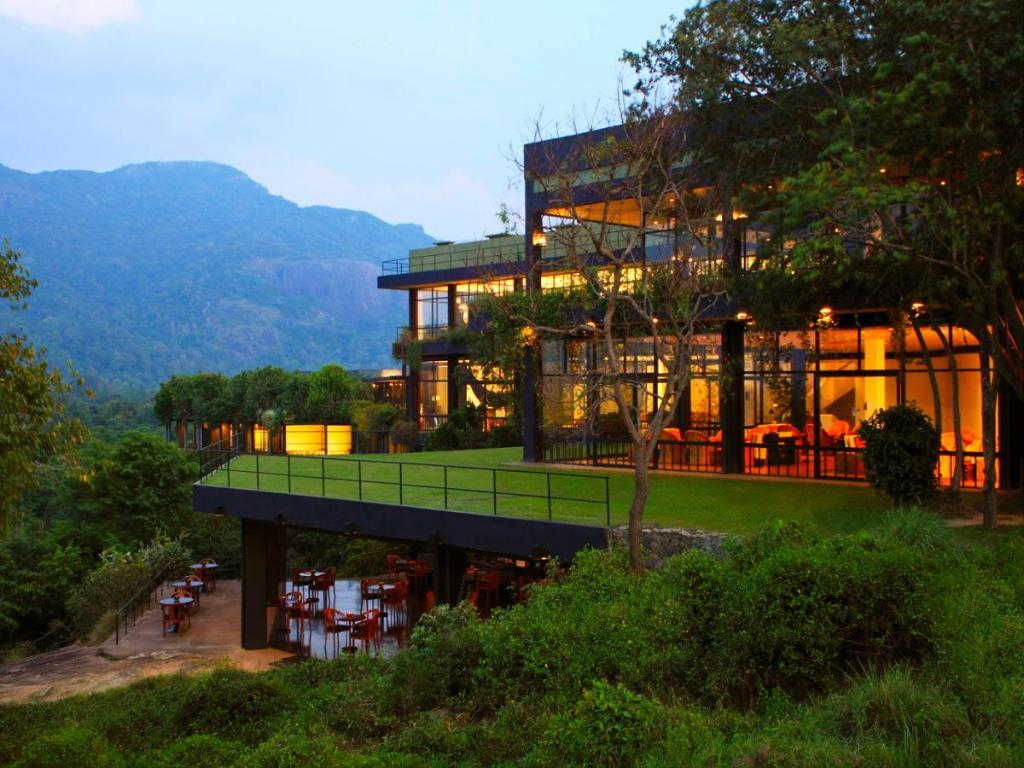 Hotel Reviews of Heritance Kandalama Sigiriya Sri Lanka - Page 1