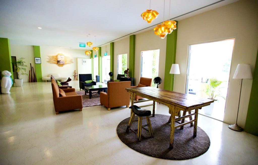 Raintr33 Hotel Singapore - Room Deals, Photos & Reviews