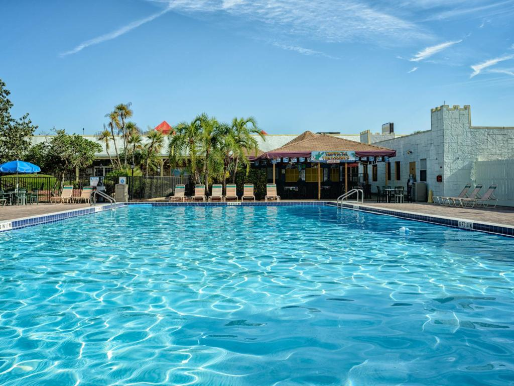 Seralago Hotel And Suites Main Gate East In Orlando Fl Room Deals Photos Reviews