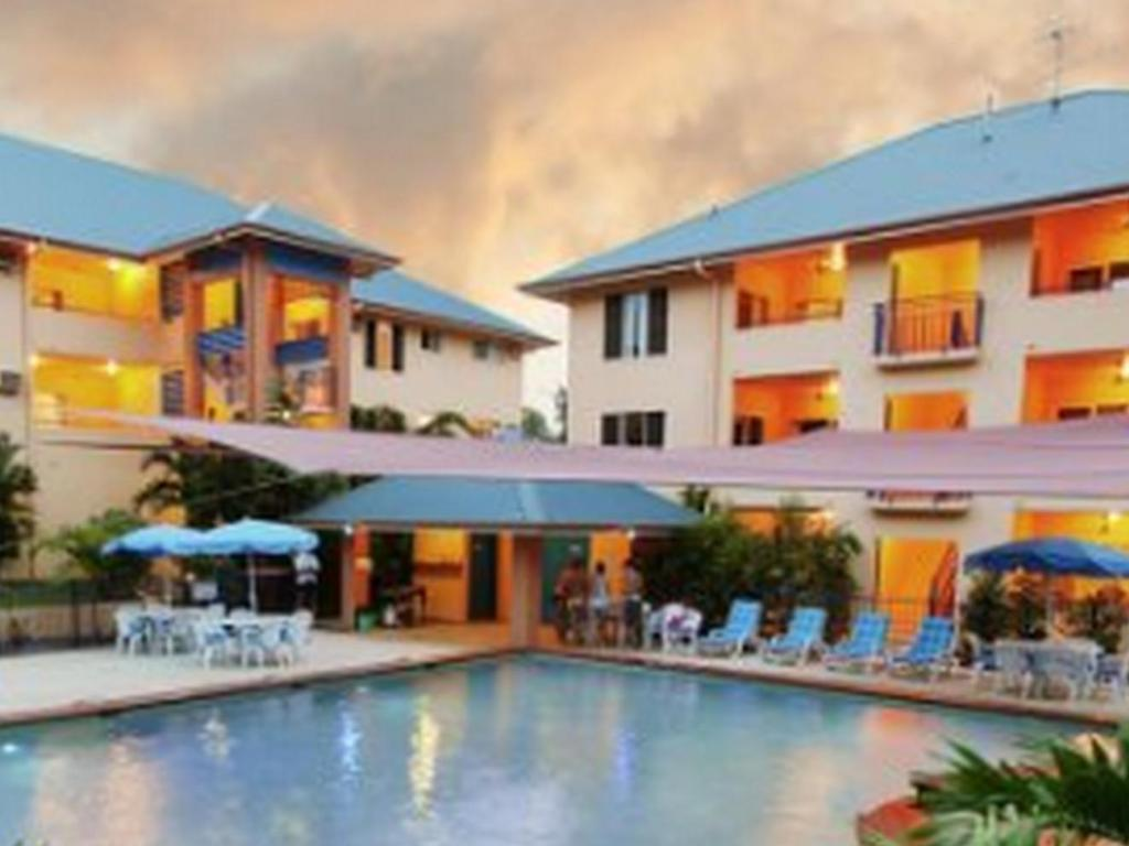 Best Price on Central Plaza Port Douglas Apartments in ...