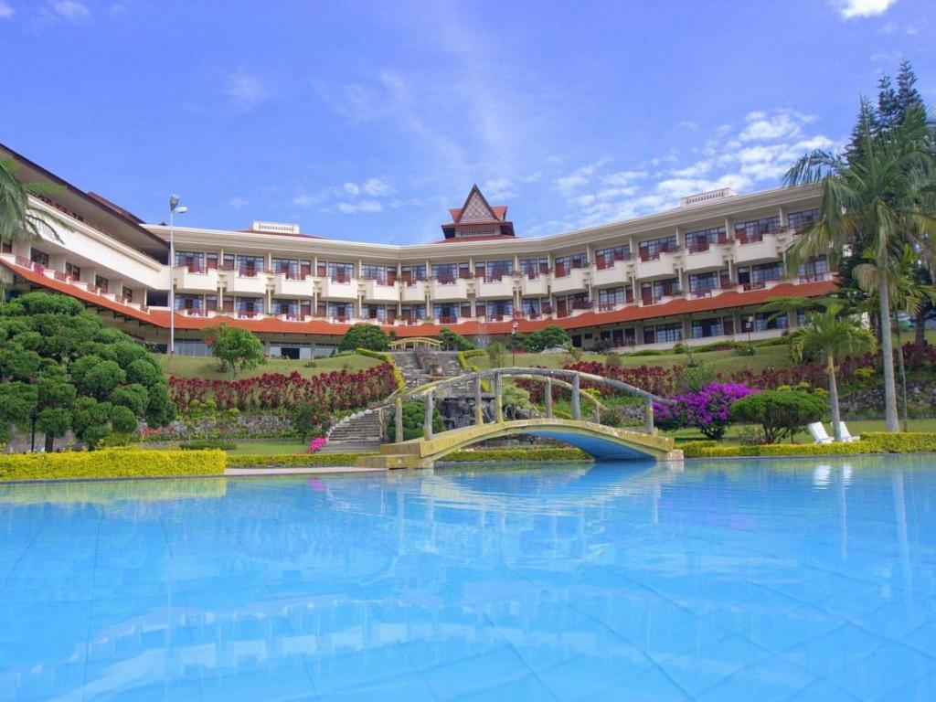 Best Price on Sinabung Hills Resort in Berastagi + Reviews!