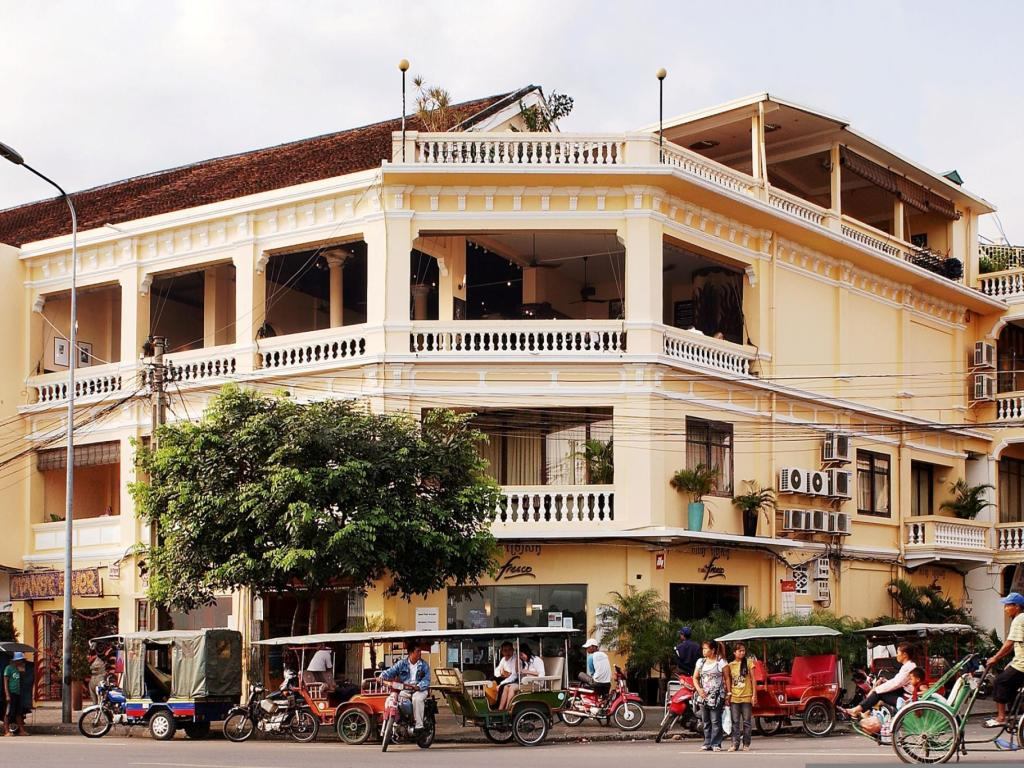 Best price on fcc phnom penh boutique hotel in phnom penh for Best boutique hotels phnom penh