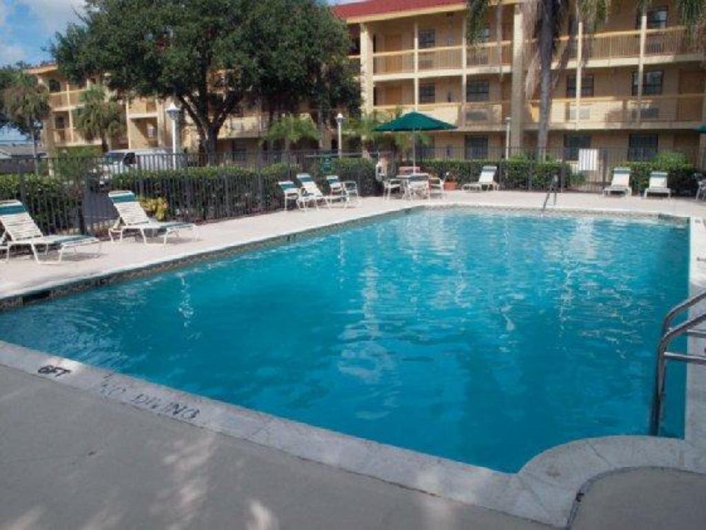 Best Price On La Quinta Inn Deerfield Beach I 95 At Hillsboro East In Deerfield Beach Fl