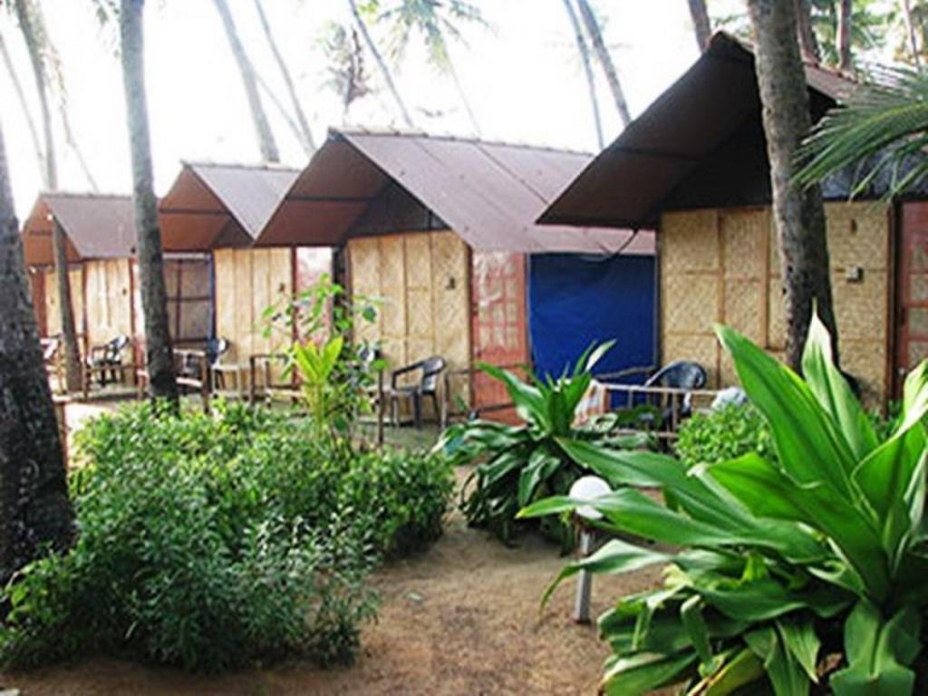 Best Price on Royal Touch Beach Huts Resort in Goa + Reviews!
