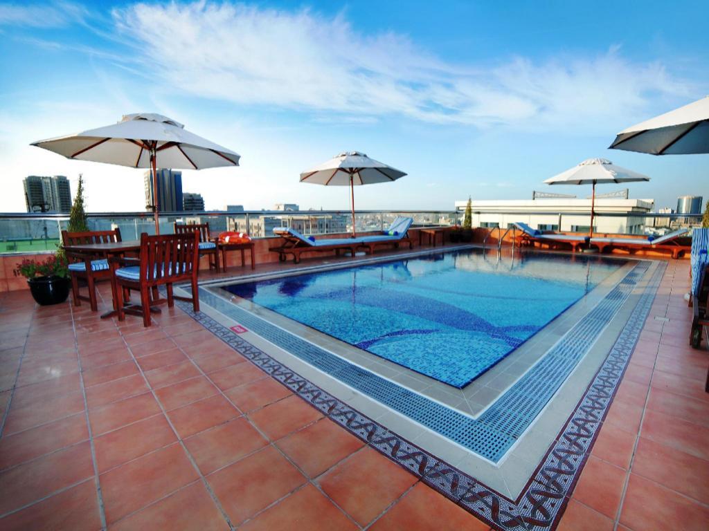 Best price on raviz center point hotel in dubai reviews - Dubai airport swimming pool price ...