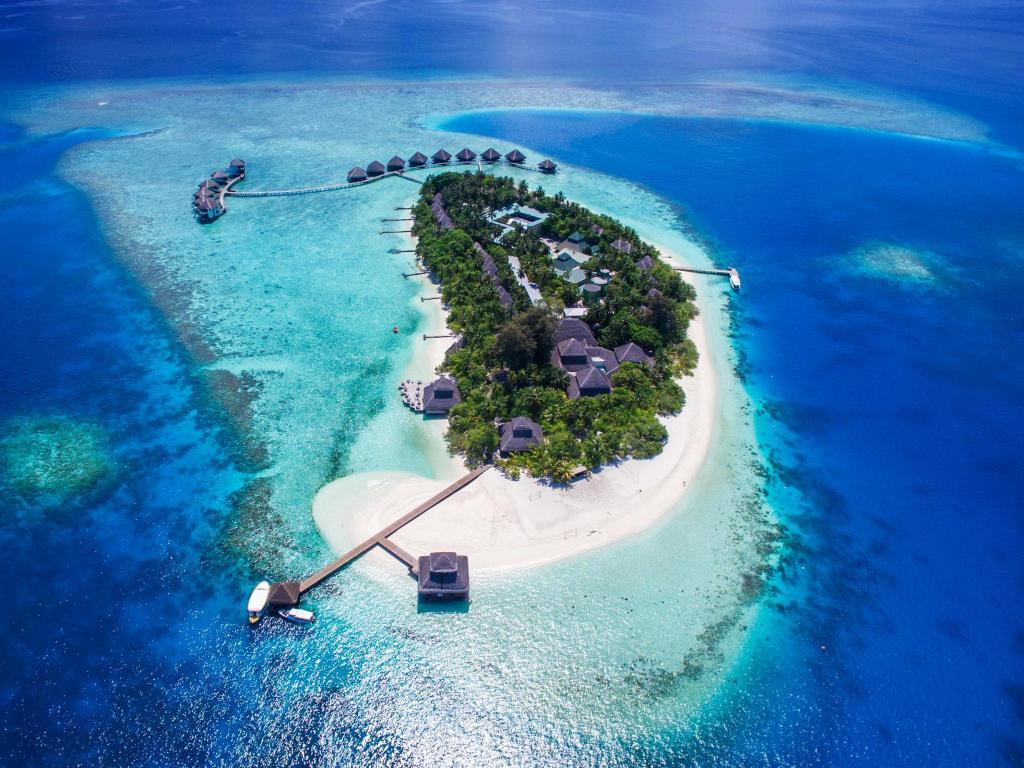 Best Price On Adaaran Club Rannalhi Hotel In Maldives