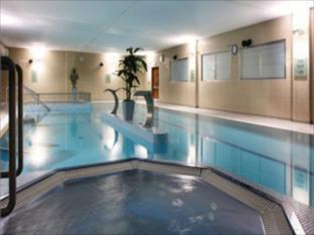 Best price on maldron hotel tallaght in dublin reviews - Maldron hotel tallaght swimming pool ...
