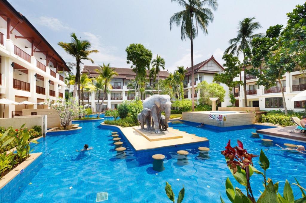 Apsara Beachfront Resort And Villa Reviews