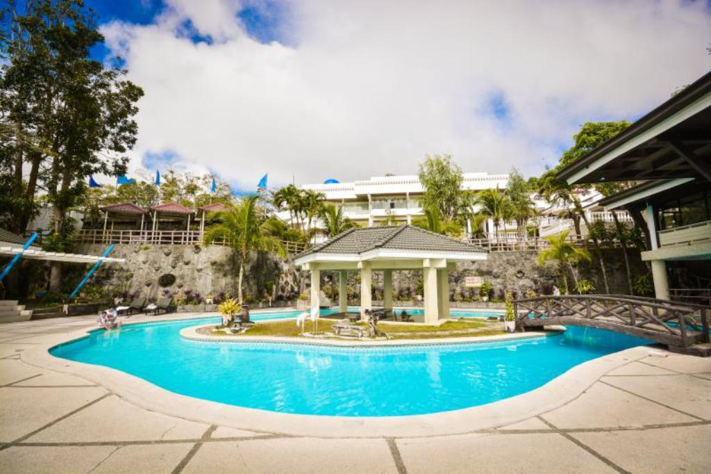 Best price on estancia resort hotel in tagaytay reviews for Tagaytay resort with swimming pool