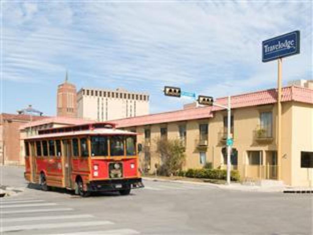 Best Price On Rodeway Inn Downtown Near Riverwalk In San