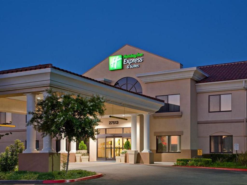 More About Holiday Inn Express Hotel Suites Santa Clarita