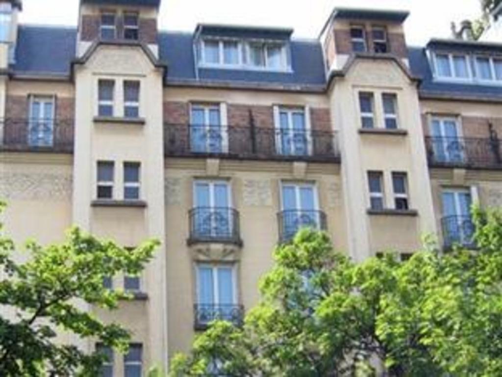 Hotel Edgar Quinet Best Price On Hotel Aiglon In Paris Reviews