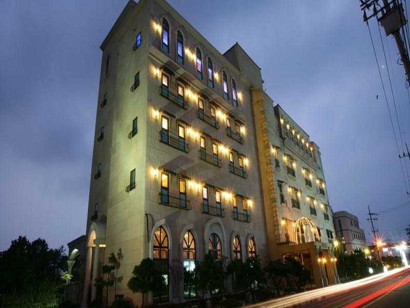 Best Price on Incheon Airport Oceanside Hotel in Incheon Reviews
