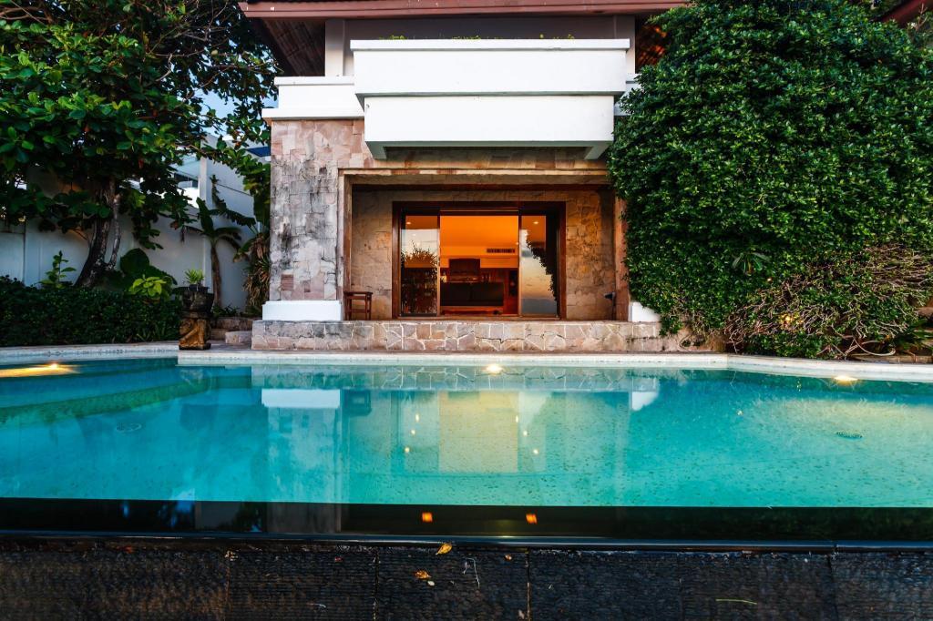 300平方米4海滩(卡塔私人)-有4间车库浴室(capekata-oceanfront别墅可爱图卧室带的图片