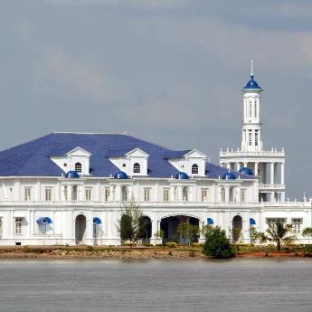 Hotel Muar, 118 hotels
