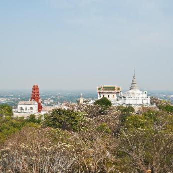 Phetchaburi Hotels, 200 hotels