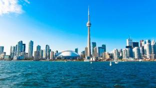 Toronto Vacation Home Rentals - Luxury CN Tower & Lake View Condo