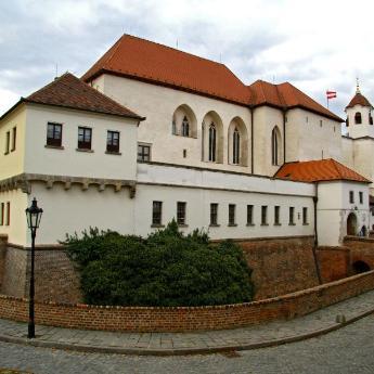 Hotely v destinaci Brno, 330 hotelů
