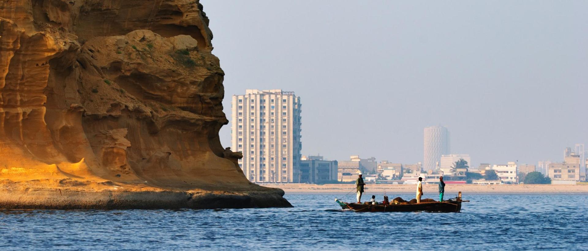 Hotels near Aga Khan University Hospital, Karachi - BEST