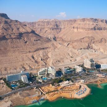 فنادق البحر الميت, 159  فندقًا