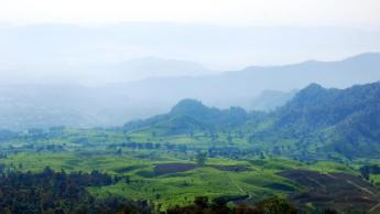 Бандунг, Індонезія