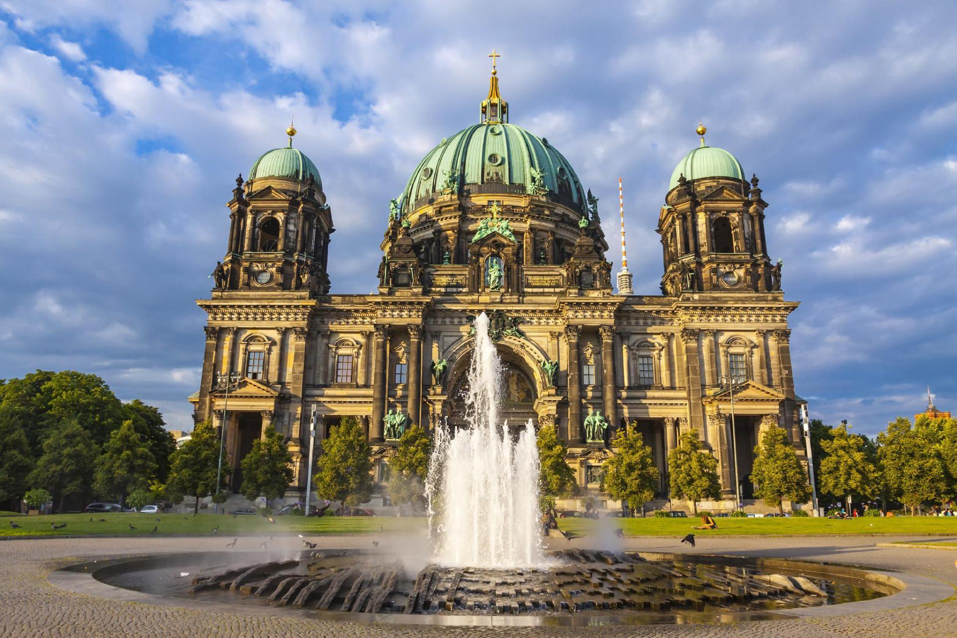 Running Free In Germanys Outdoor >> Germany Hotels Online Hotel Reservations For Hotels In Germany