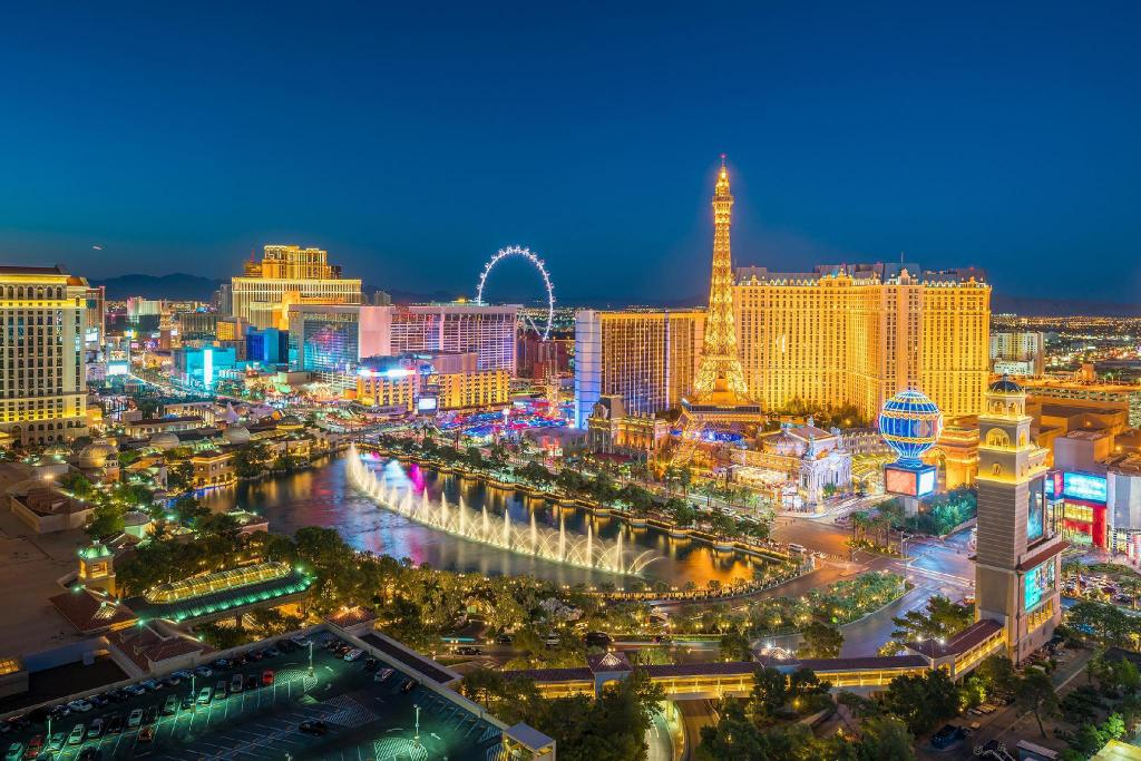 Las Vegas Strip - 3.08 km from property TRUMP TOWER HIGH FLOOR STRIP VIEW STUDIO