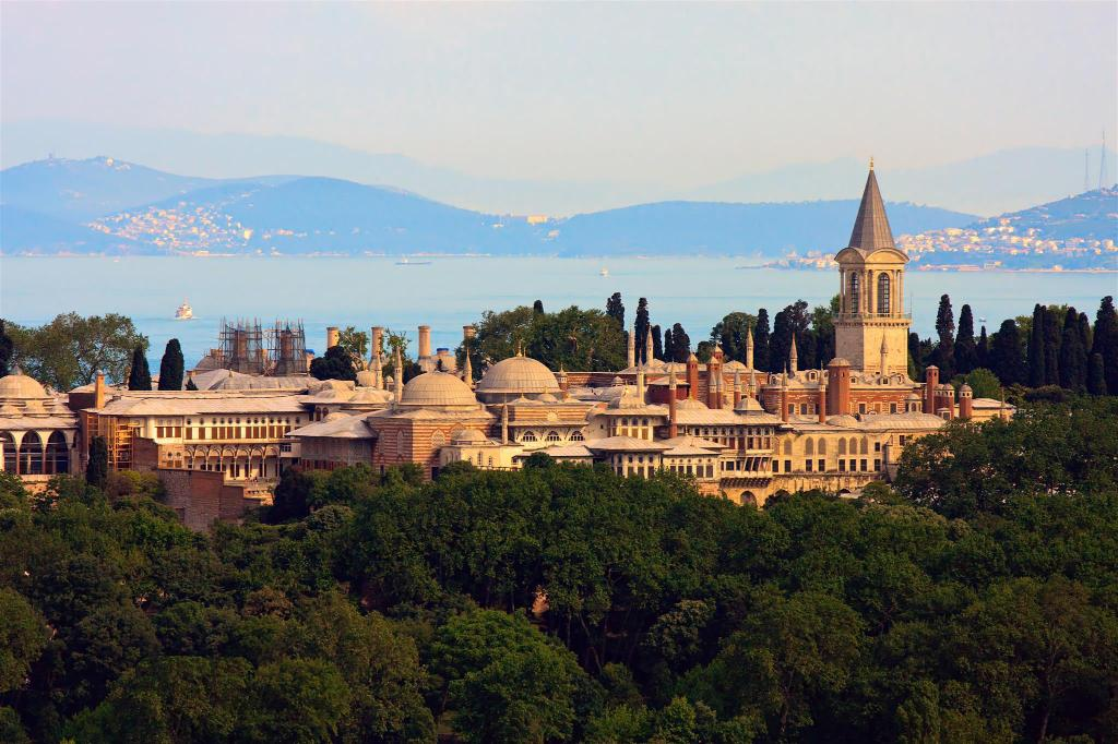 Topkapi Palace - 9.88 km from property