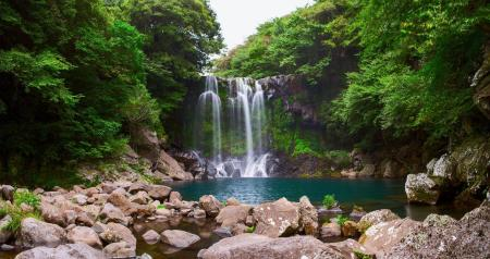 Cheonjeyeon Falls - 3.21 km from property Today Pension
