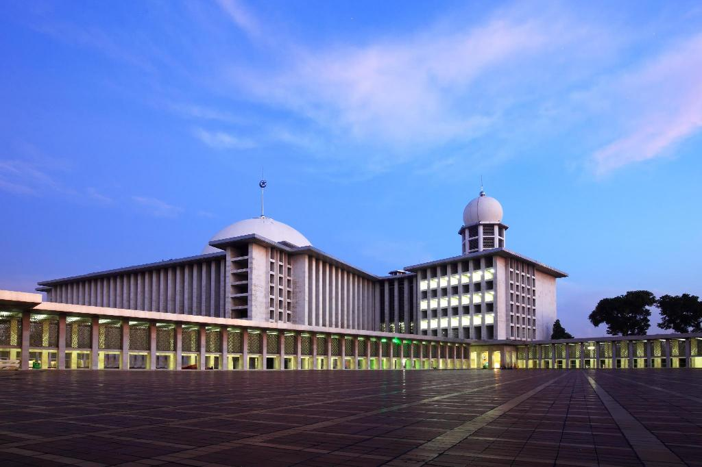 Istiqlal Mosque - 9.22 km from property