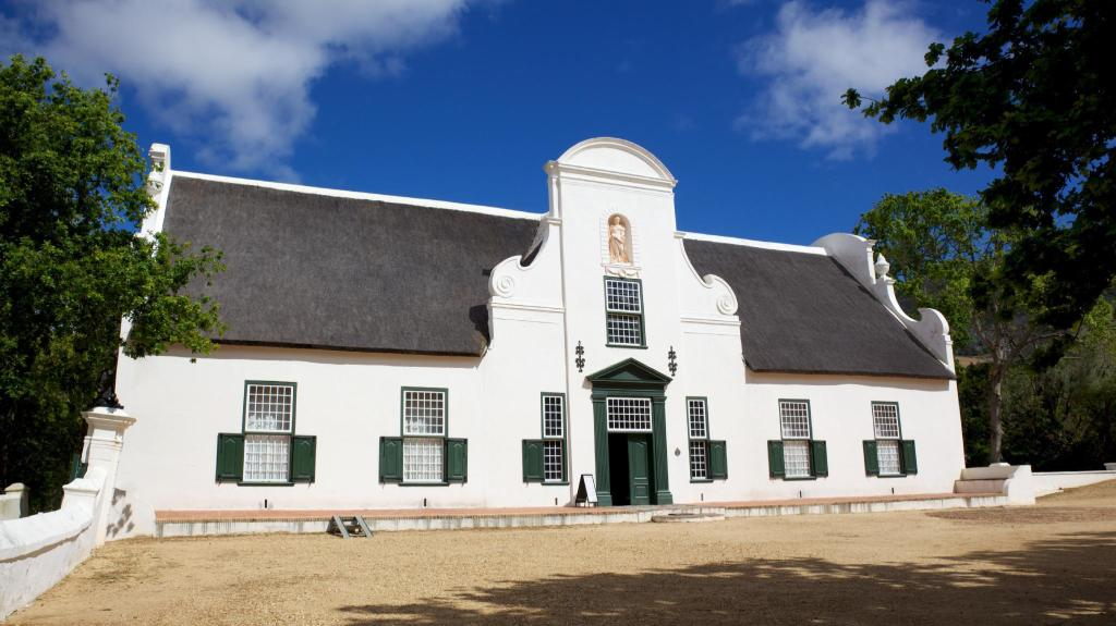 Groot Constantia - 6.67 km from property
