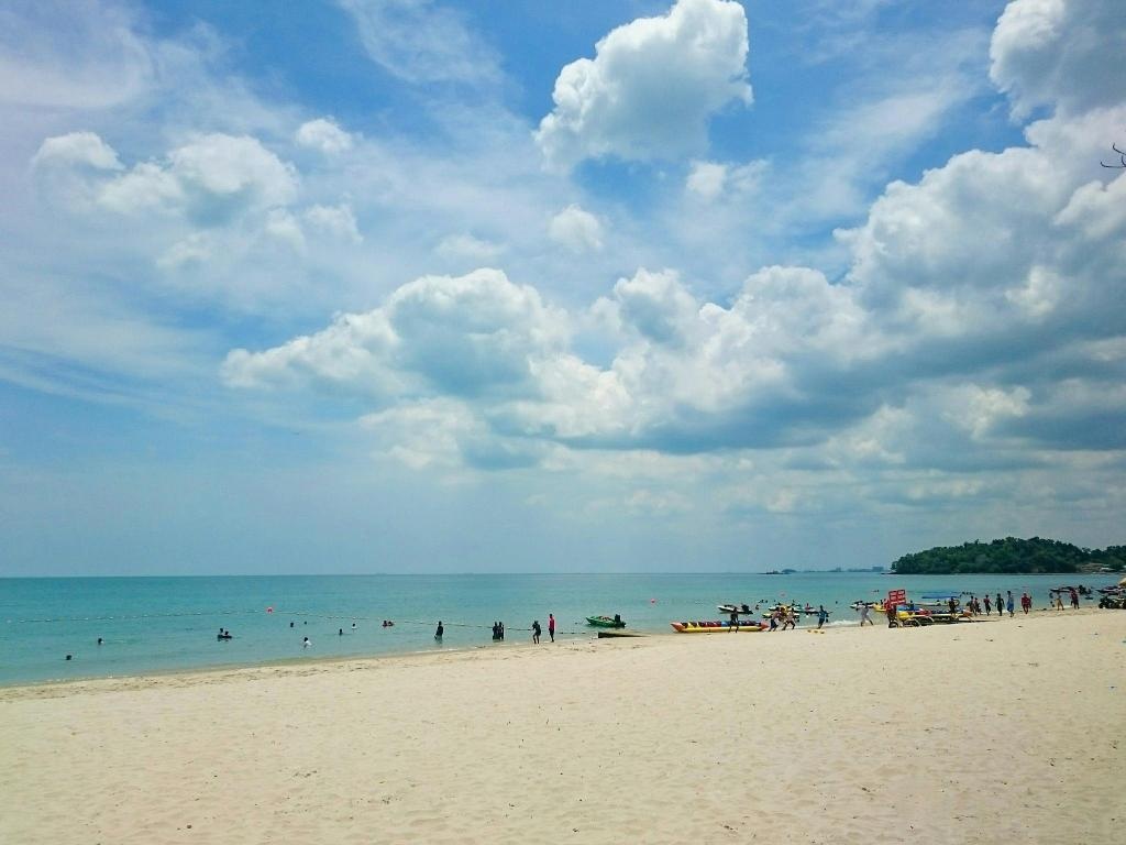 Port Dickson Beach - 3.23 km from property Paradise Lagoon Apartments (Ombak Escapes)