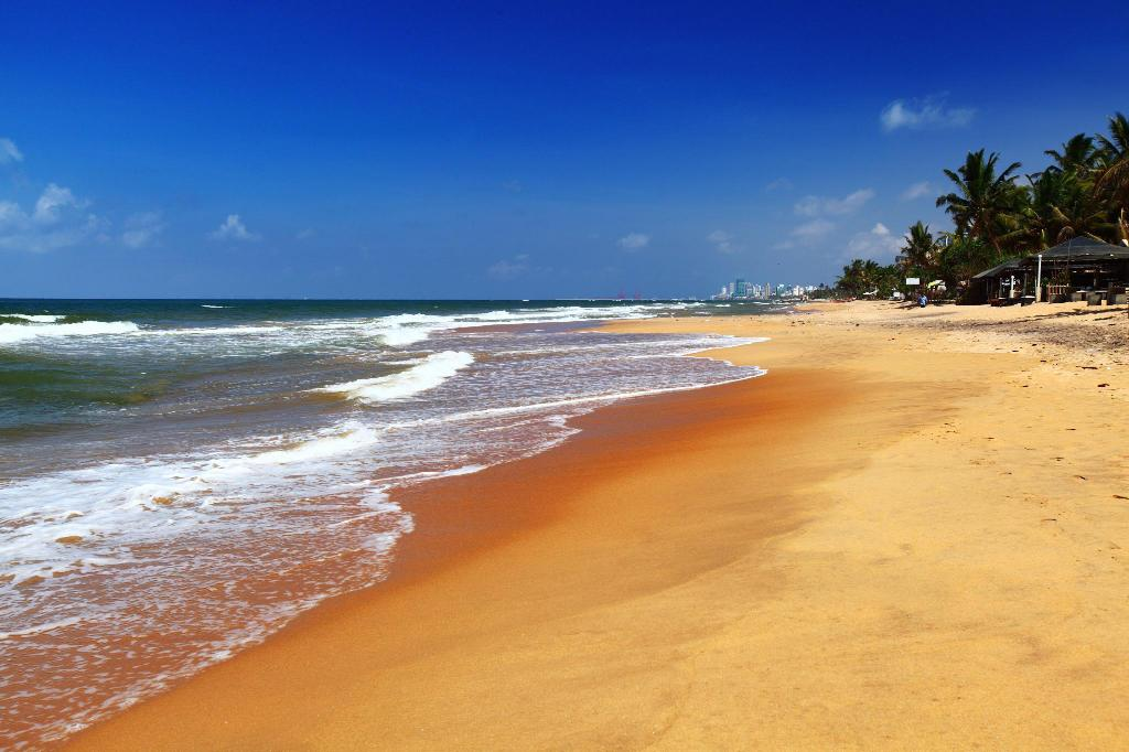 Mount Lavinia beach - 2.78 km from property Boswell Residencies