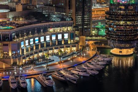 Dubai Marina Mall - 4.4 km from property Rojen Luxury Apartment Al Barsha 3 Bed A