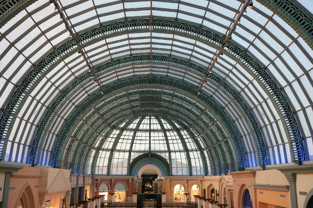 Mall of the Emirates - 8 km from property