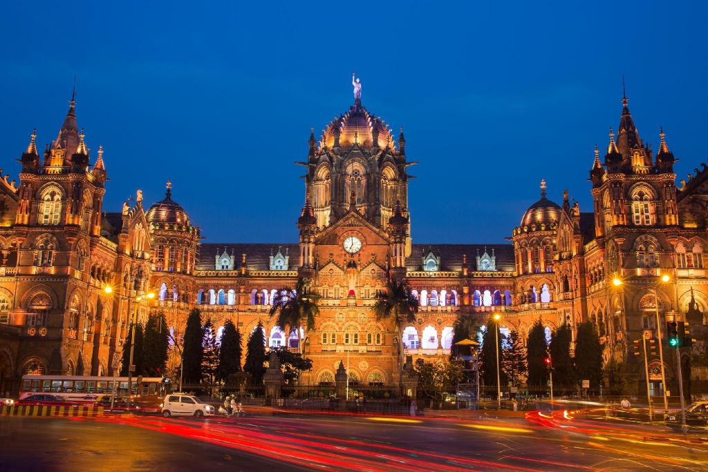 Chhatrapati Shivaji Terminus - 4.69 km from property Breach Candy Room Two