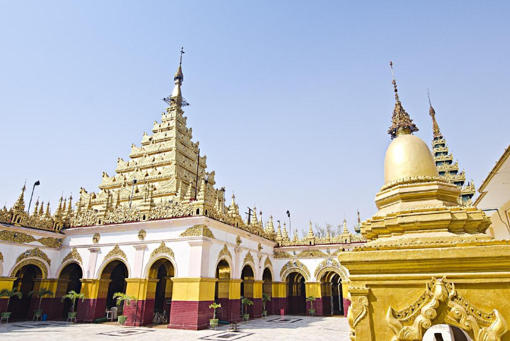 Mahamuni Buddha Temple - 5.08 km from property
