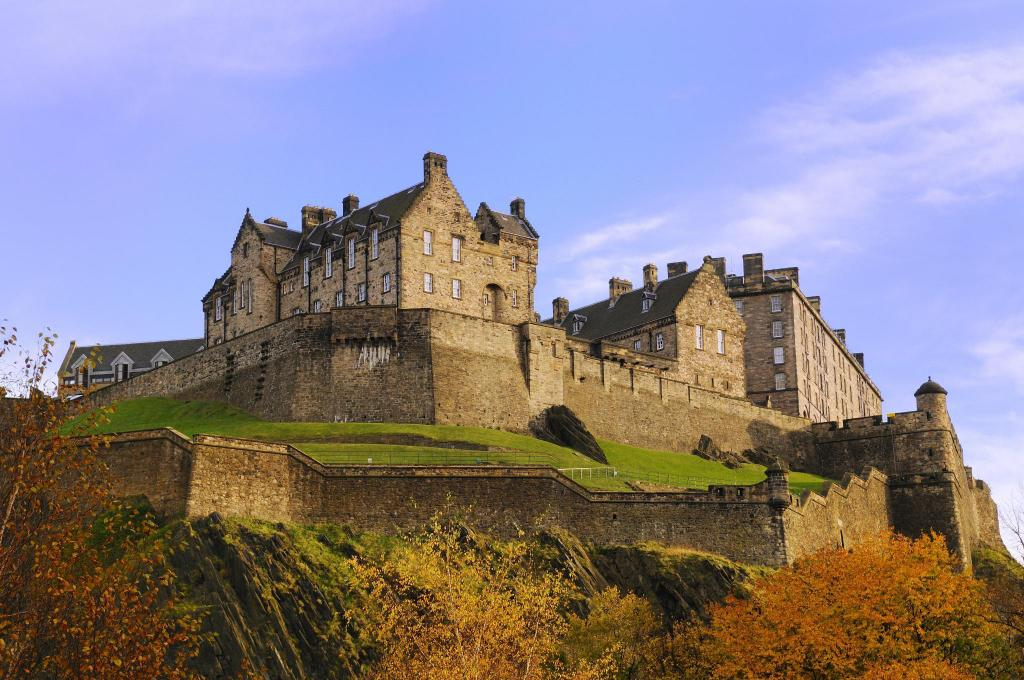 Edinburgh Castle - 1.25 km from property