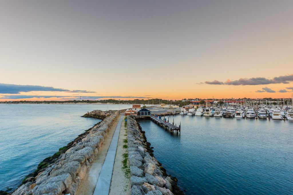 Hillarys Boat Harbour - 7.93 km from property Surfers Villa