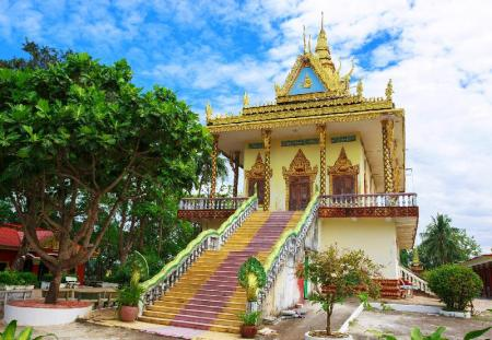 Wat Leu - 2.79 km from property The Big Easy