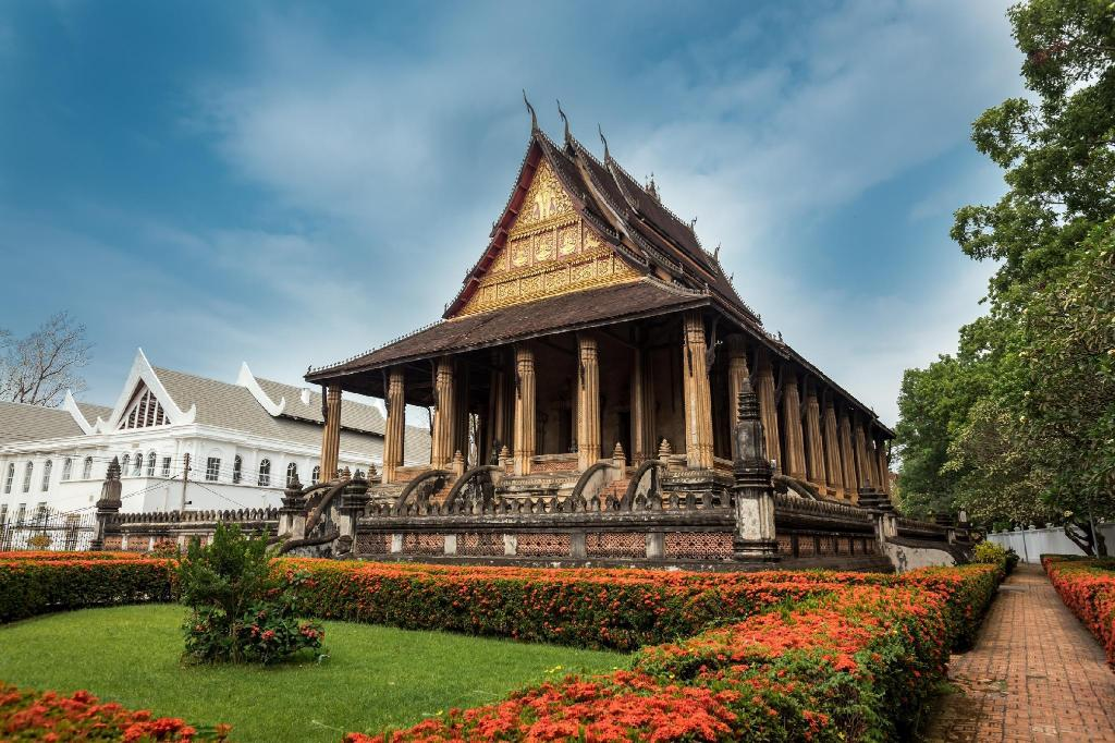 Haw Phra Kaew - 6.69 km from property Souksamlan Guesthouse