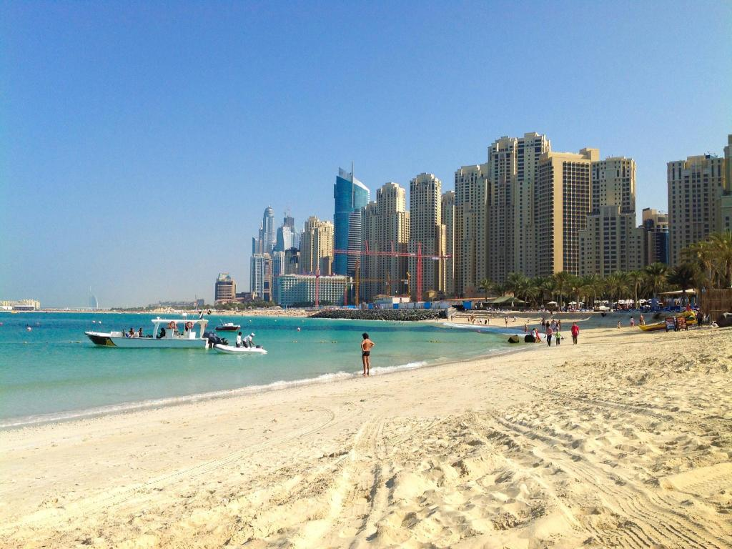 צפו בכל 8 התמונות Dubai Apartments - Marina Diamond Nicely Decorated One Bedroom In Dubai Marina