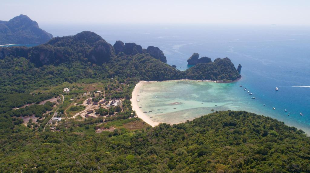 Loh Lana Bay - 2.6 km from property