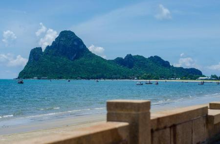 Prachuap Bay - 3.6 km from property O-Bay Design Hotel Prachuap